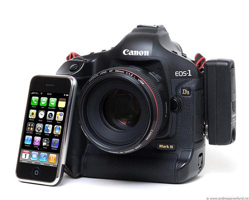 Canon 1Ds Mark III / iPhone